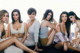 la enorme 'pechonalidad' de las chicas del clan Kardashian