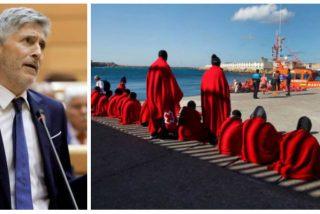 Marlaska, ante otro polvorín: Canarias, Ceuta y Melilla tienen colapsados los centros de internamiento de inmigrantes en pleno Covid-19