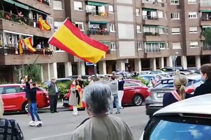 Pinar de Chamartín se une a las manifestaciones 'de barrio' para exigir la dimisión de Pedro Sánchez