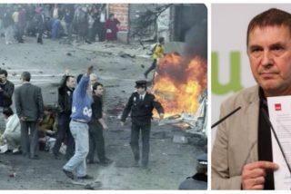 Twitter 'resucita' imágenes de horror y muerte para responder a Otegi por presumir de apoyo a la clase trabajadora