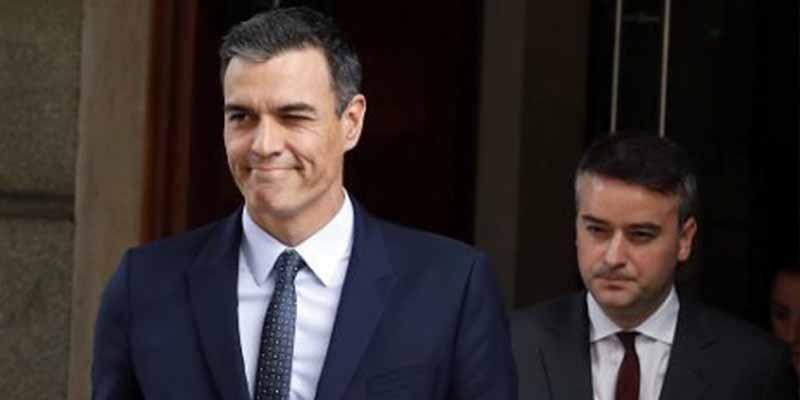 El invento maquiavélico de Iván Redondo para culpar a otros del desastre de Sánchez con el COVID-19