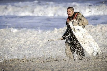 Terror entre olas: la curiosa muerte de cinco 'surfers' en Países Bajos