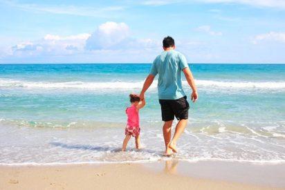 En Portugal, 'nativos' y algunos turistas ya disfrutan de las playas y masivamente