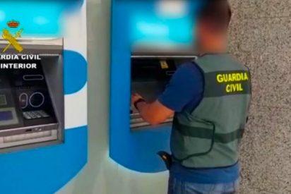 La Guardia Civil atrapa a la banda magrebí especializada en robar a ancianos con el método del 'scalping'