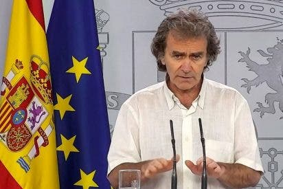 """Acorralan a Fernando Simón: piden a la jueza del 8-M imputar al 'experto' por """"flagrante dejación de funciones"""""""