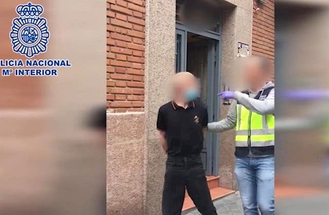 Vallecas: un hombre asalta a punta de pistola dos tiendas de comida