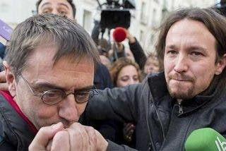 """Las redes bajan el pulgar al nuevo panfleto de Podemos: """"¿Cómo vais a vigilar al poder si vosotros sois el poder?"""""""