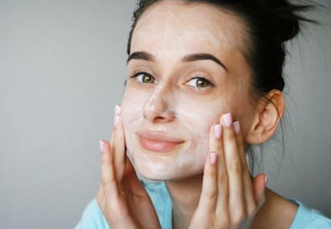 leche limpiadora retira el maquillaje más denso