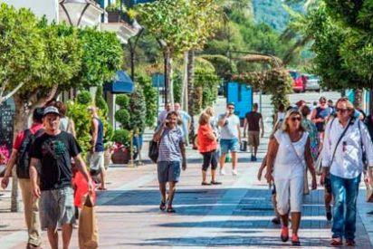 """Los primeros turistas alemanes del """"plan piloto"""" llegan a Baleares"""