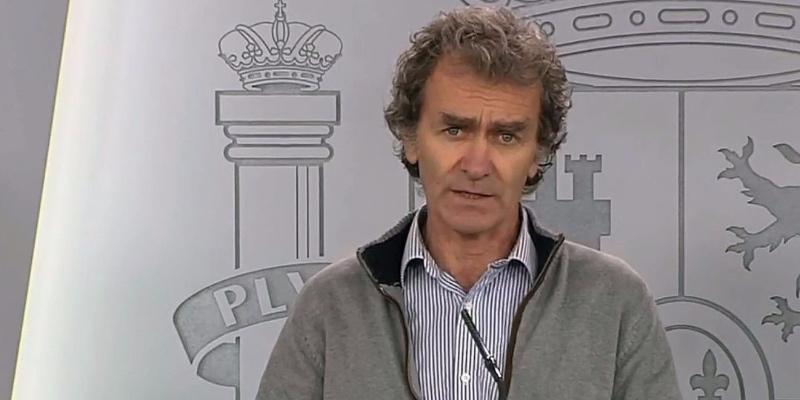 """La inaudita excusa de Fernando Simón para acallar las críticas de la prensa mundial: """"Es por un exceso de transparencia"""""""