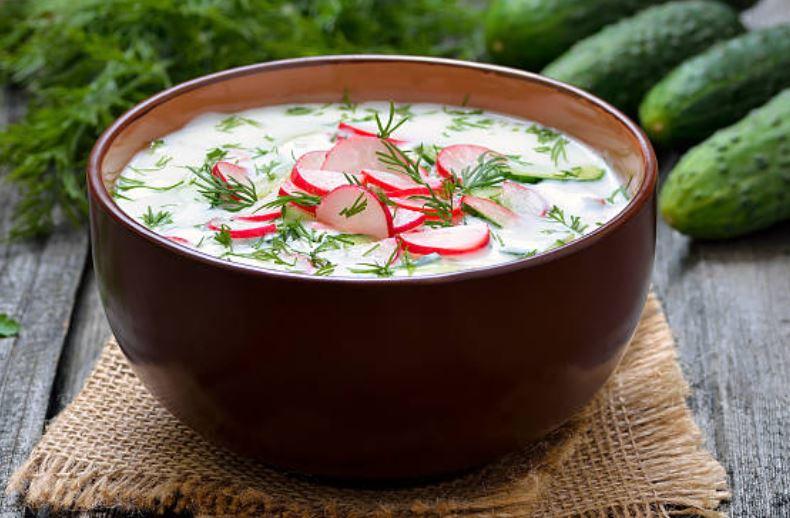 """Sopa fría rusa,""""Okroshka"""""""