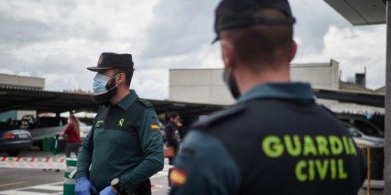 Detienen al hijo del hostelero fallecido cerca de un coche accidentado en Pontevedra