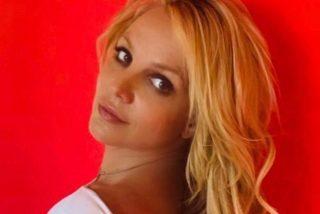 """La carátula del último álbum de Britney Spears es la más 'hot' que recordamos: """"Eres una diosa"""""""