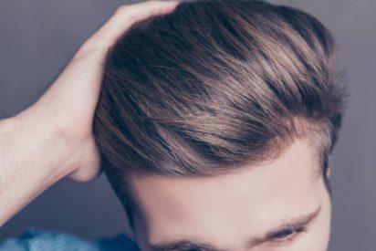 Cómo usar espuma para el pelo hombres