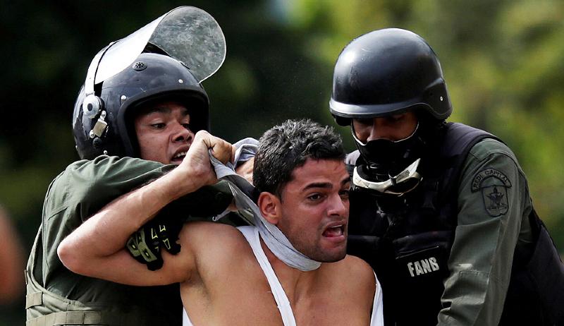 Venezuela: la oposición envía a la ONU un informe sobre los brutales abusos en la frontera con Colombia