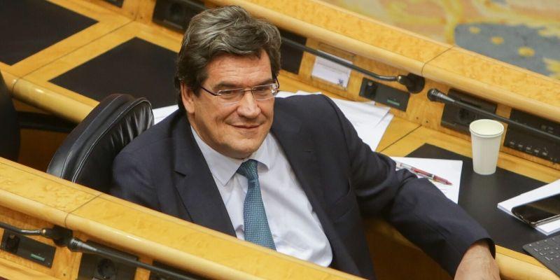 ¿Alguien puede creerse lo que dice el ministro de Seguridad Social sobre el futuro de las pensiones?