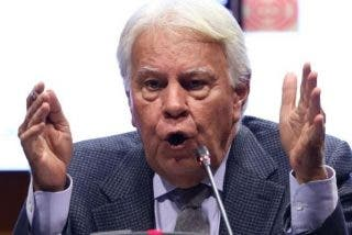Felipe González compara el Gobierno social-comunista con