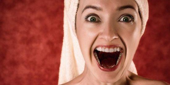Cómo puedes quitarte el sarro de los dientes sin gastarte una pasta en el dentista