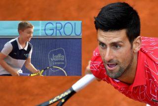 Novak Djokovic 'pierde' un punto con el niño recogepelotas y revoluciona el Planeta Tenis