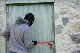 La Guardia Civil desmantela tres bandas de atracadores magrebíes y rumanos que operaban en la provincia de Madrid