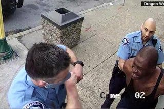 Sale a la luz un segundo vídeo de la detención de George Floyd:
