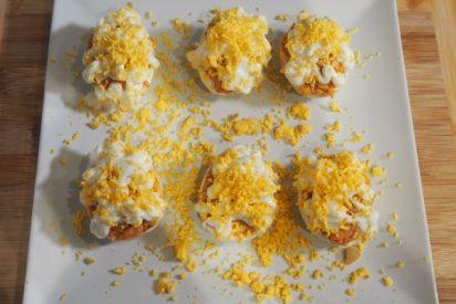 Huevos rellenos de atún: la receta tradicional, paso a paso