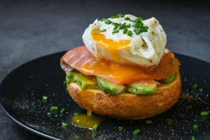 Brunch hipster: huevos Benedictine con salmón