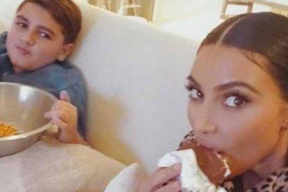 Kim Kardashian atraganta de chuches a su sobrino y se expone a la ira de Kourtney