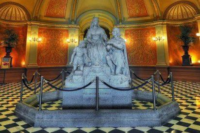 Los demócratas retiran del Capitolio de California las estatuas de Colón e Isabel la Católica