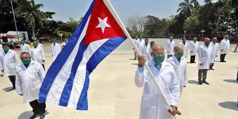Cuba limita el transporte público y cerrará las escuelas de La Habana para intentar frenar el COVID