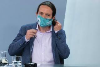 Pablo Iglesias no disimula y promociona desde La Moncloa las mascarillas que vende su dircom