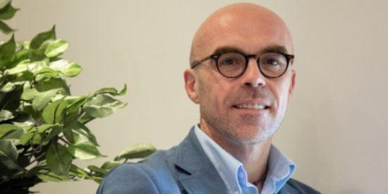 """Entrevista a Jorge Buxadé (VOX): """"El movimiento terrorista ANTIFA está financiado por multinacionales, no son cuatro desarrapados"""""""
