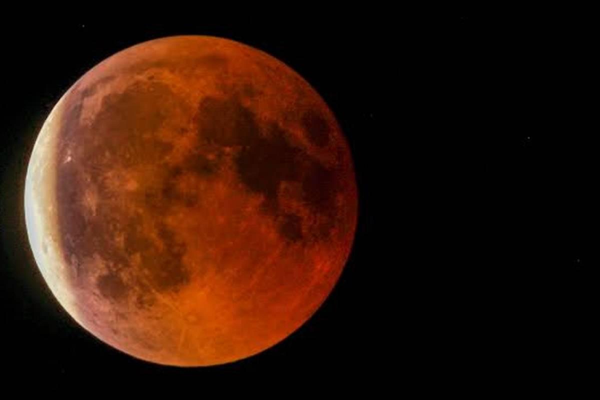 Junio se llena de eclipses lunares: cuándo ver la 'luna de fresa' y el eclipse solar anular
