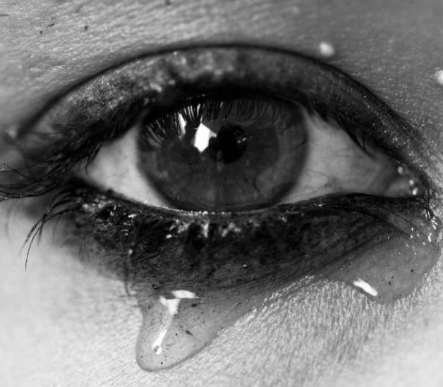 ojos llorosos errores maquillaje