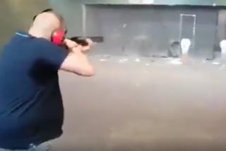 Echenique ya podrá dormir tranquilo: la Guardia Civil detiene al exmilitar que disparó a su foto