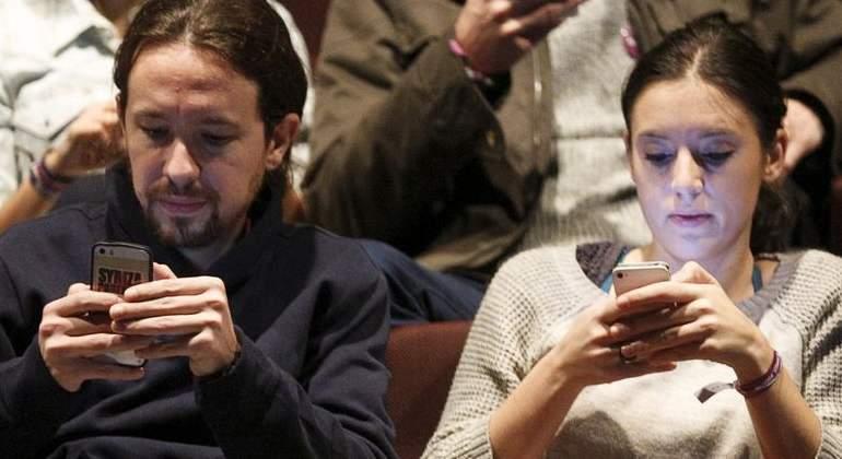 Caos en Moncloa y sospechas en Policía y CNI por el nuevo móvil 'antiespía' que usa Pablo Iglesias