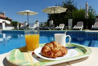 Chalets o casas rústicas con piscina privada en Benalmádena, uno de los destinos más buscados para este verano