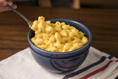 Macarrones con queso en taza: receta para microondas