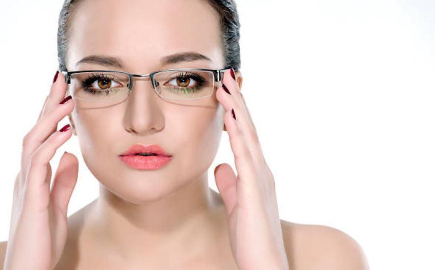 Maquillar los ojos si llevas gafas