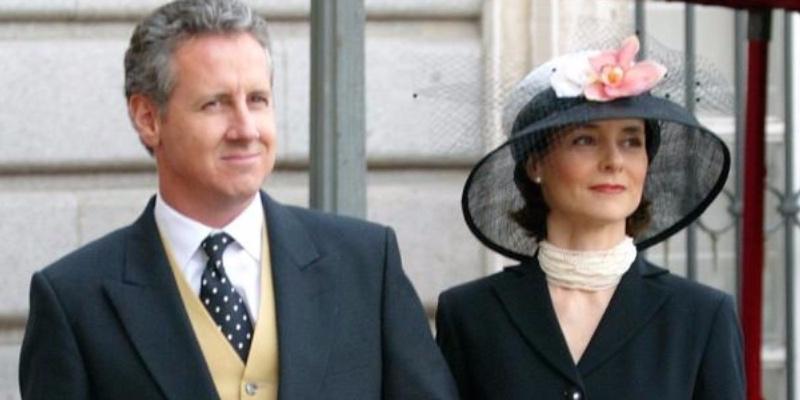 Lorenzo Milá y su mujer, incondicional de la Reina Letizia, regresan a España tras el cese del corresponsal