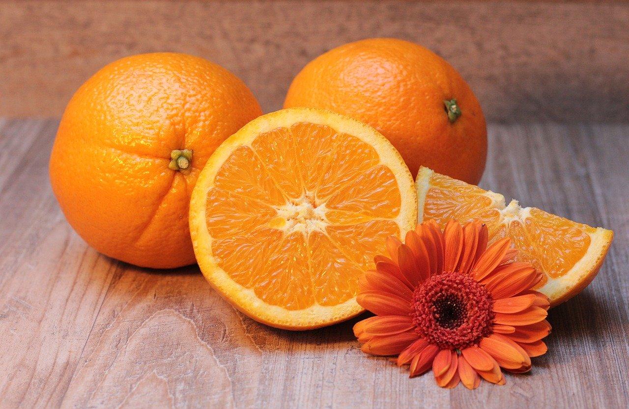 ¿Sabías que la naranja entera es mejor que el zumo?
