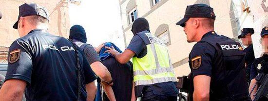 Detenido por vender marihuana en Valencia junto a un bebé de apenas 1 año