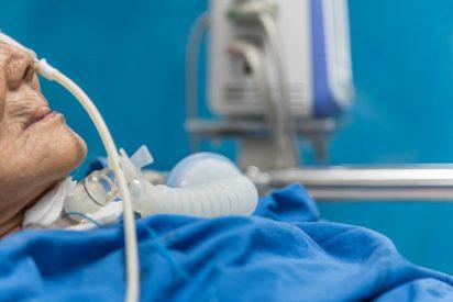 Matan a su pariente al desconectar su respirador artificial para enchufar el aire acondicionado