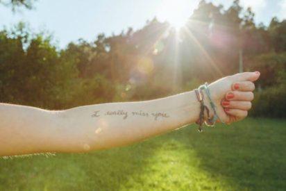 proteger los tatuajes del sol