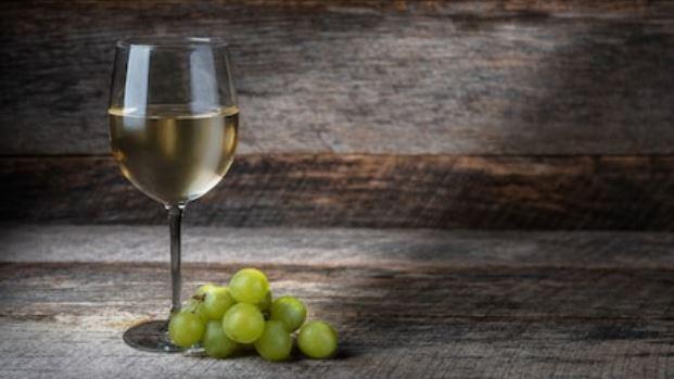 vino blanco txakoli