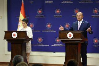 El bochornoso instante en el que un ministro turco desautoriza y corrige a González Laya sobre Santa Sofía
