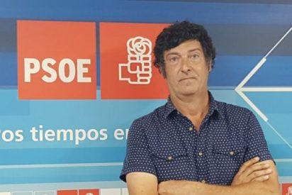 Vídeo: un concejal del PSOE se ducha y aparece desnudo en mitad de un pleno online