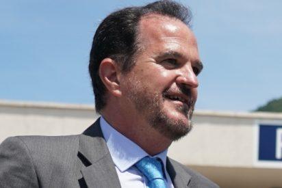 """Entrevista a Carlos Iturgaiz (PP): """"El PNV ha convertido el País Vasco en 'El Dorado' de los 'okupas', la gente tiene miedo a salir de casa"""""""