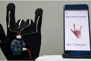El innovador guante que traduce, a tiempo real, el lenguaje de signos a voz