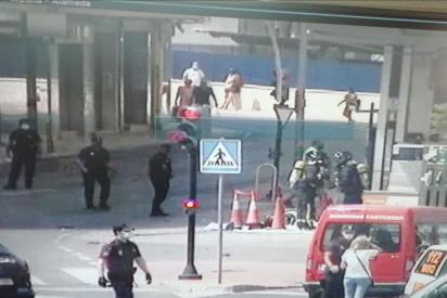 """Una explosión en una céntrica gasolinera de Cartagena deja dos heridos """"muy graves"""""""